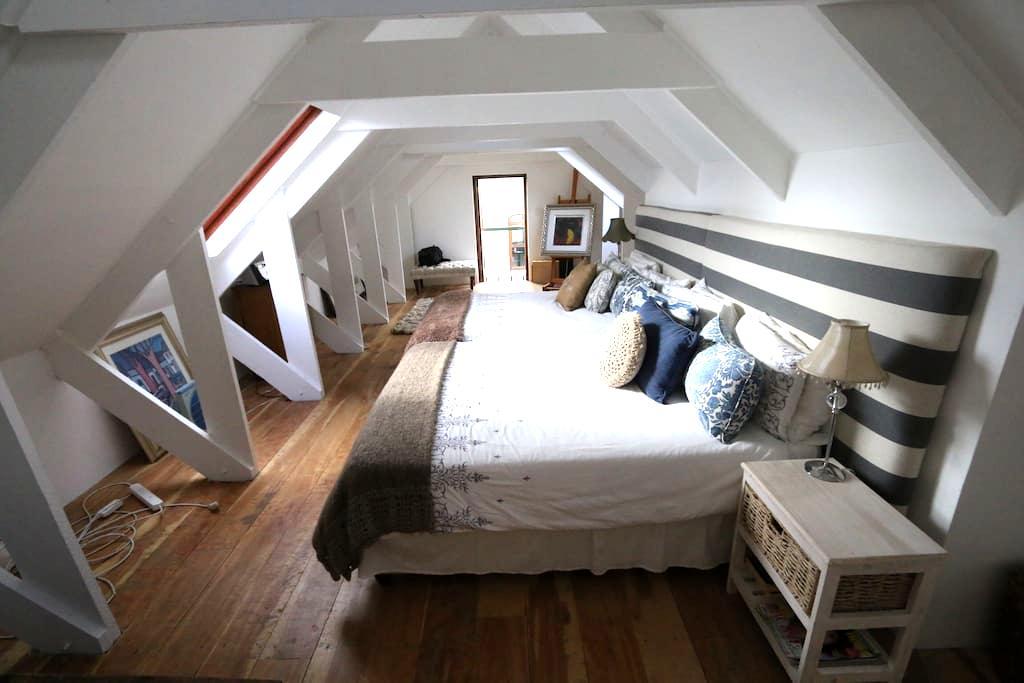 Charming Loft on Small Wine Farm - Franschhoek - Loft
