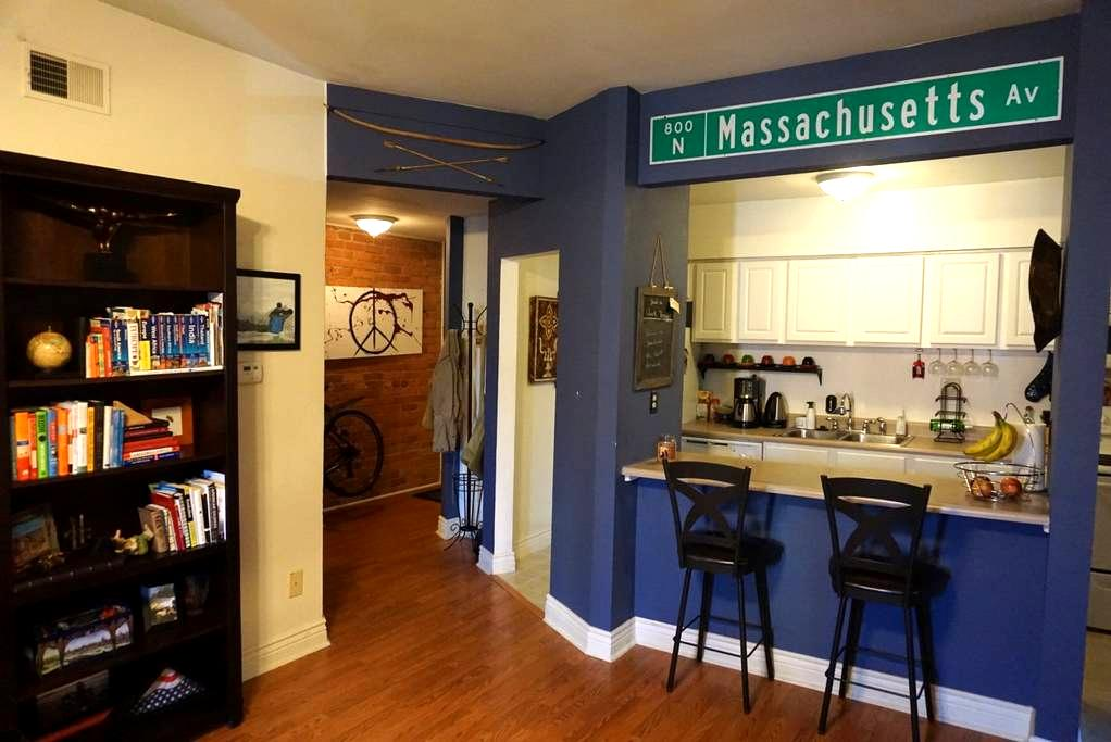City Center! 2 Bedroom on Mass. Ave - Indianapolis - Apartemen