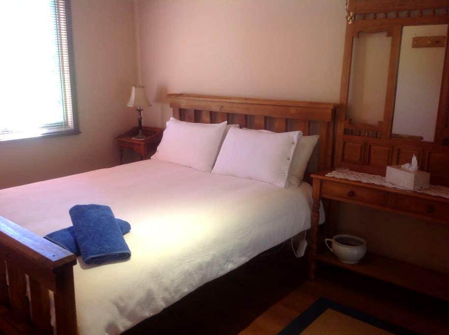 Heysen's Rest - Myponga - Bed & Breakfast