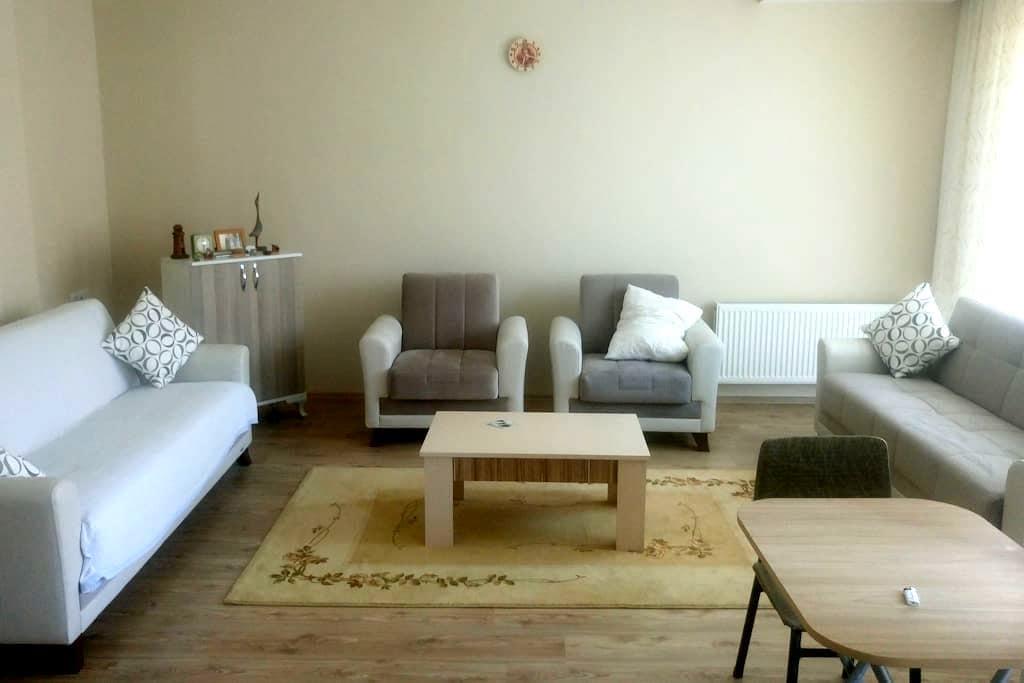 Merkeze yakın 2 özel oda! 2 Rooms close to centre! - Çanakkale Merkez - Flat