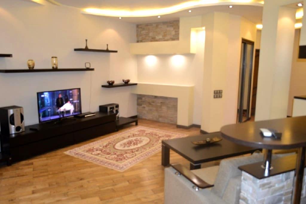 Элитная 2-х комнатная квартира с евроремонтом - Almaty - Apartment