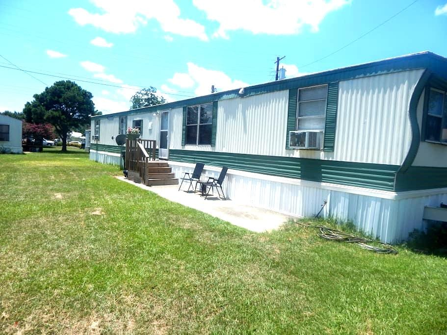 Private room in newly renovated mobile home. - Goose Creek - B&B/民宿/ペンション
