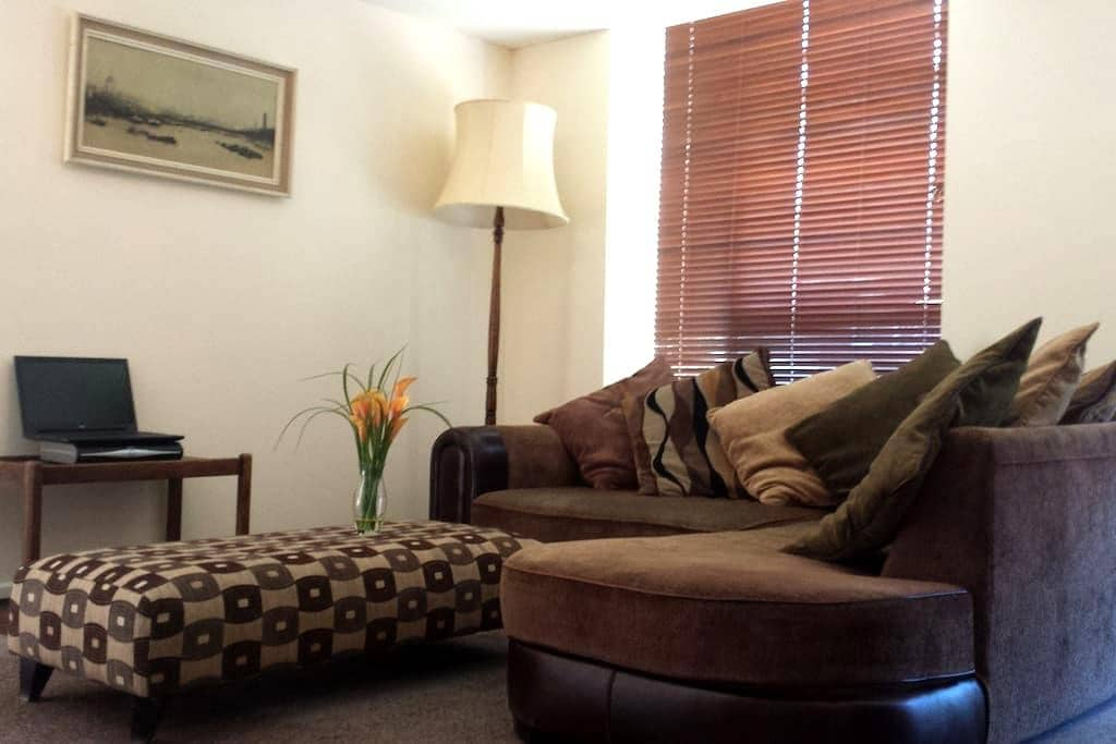 Apartment   3 bedrooms   sleeps 5 - Chichester - Byt