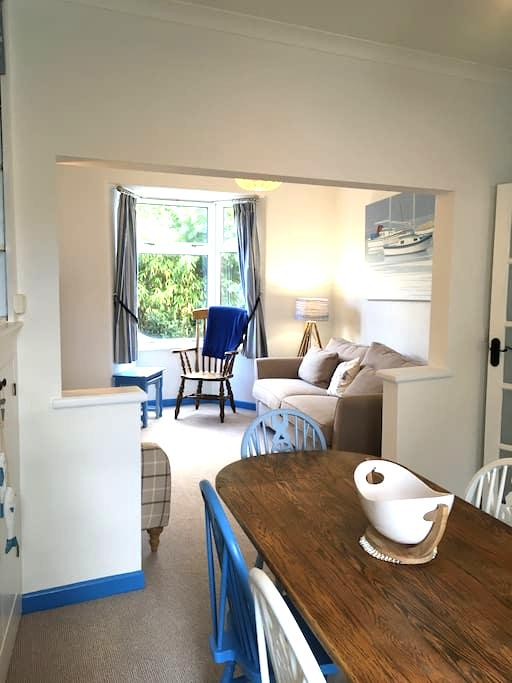 Lovely cottage close to the beach in Sidmouth - Sidmouth - Huis