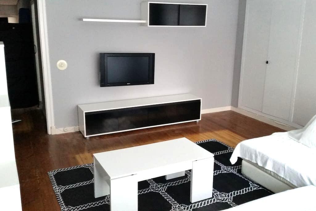 Amplio y centrico piso en Santoña. - Santoña - House