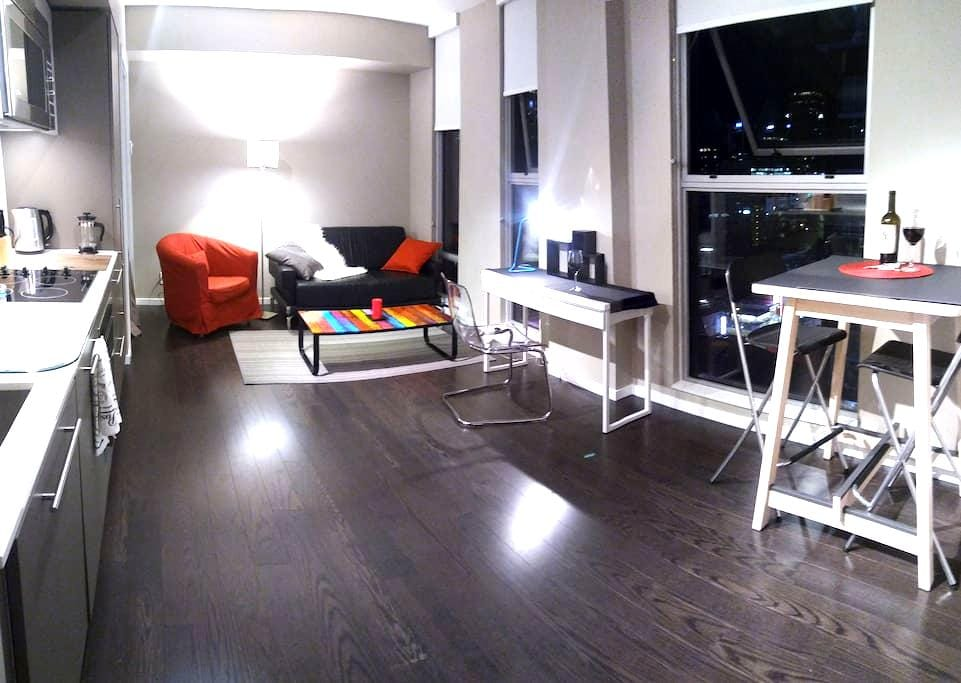 Heart of Downtown Vancouver,modern style 1 bedroom - Ванкувер - Квартира