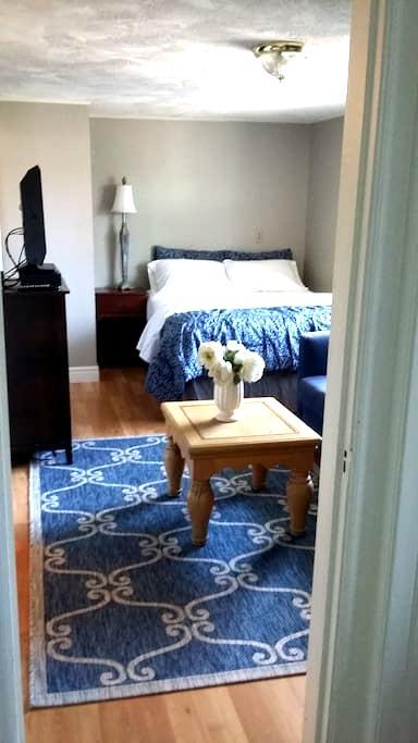 River House Nice Private Studio!  $44-$47 - 斯波坎 - 公寓