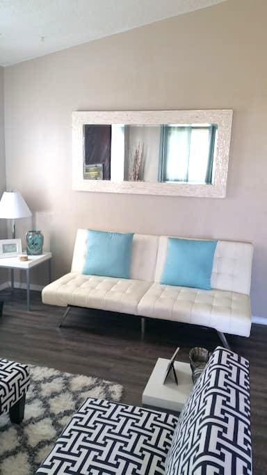 Modern 3bdrm home away from home! - Portsmouth