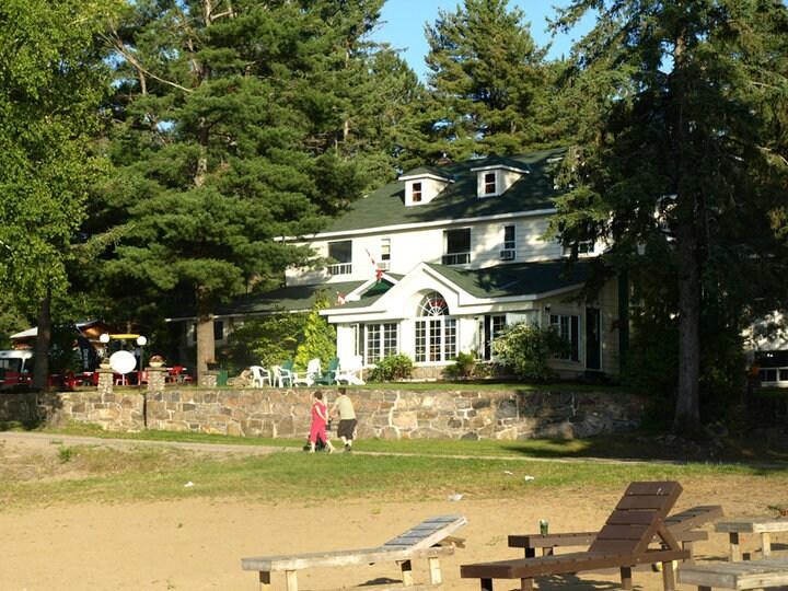 Pickerel Lake Lodge | Pickerel Lake Lodge Nature Lodges For Rent In Burk S Falls