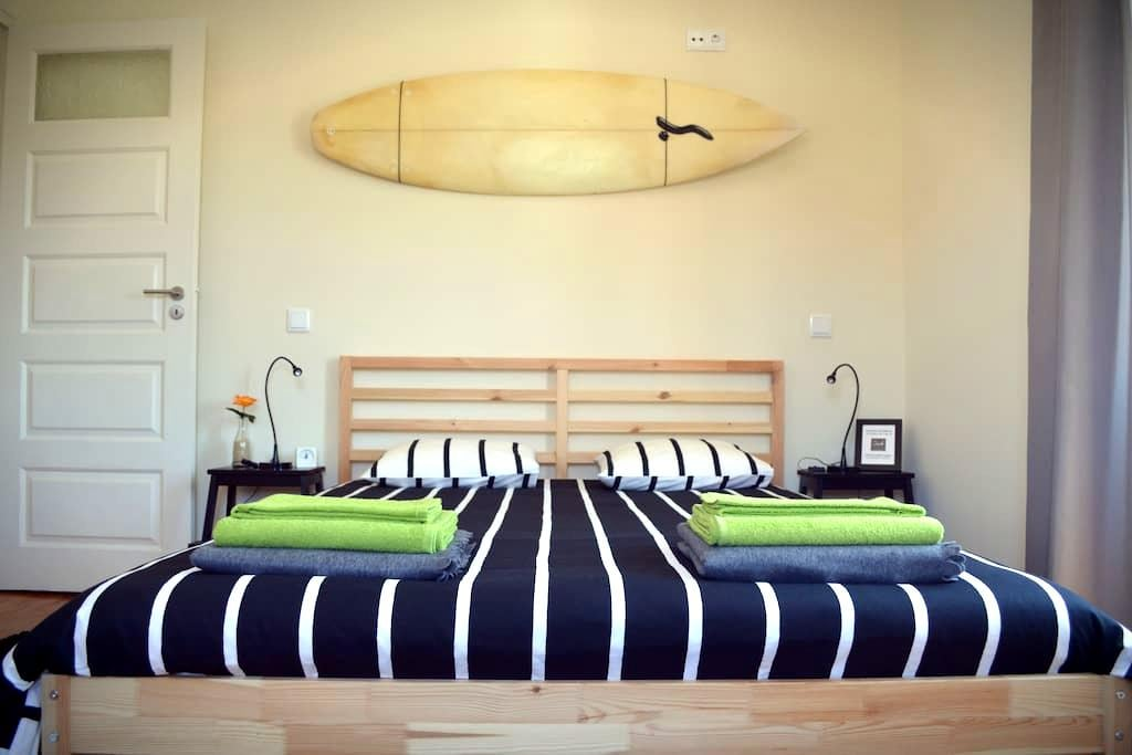 The BEACH CORNER Guesthouse - Rua 4 - Espinho - Bed & Breakfast