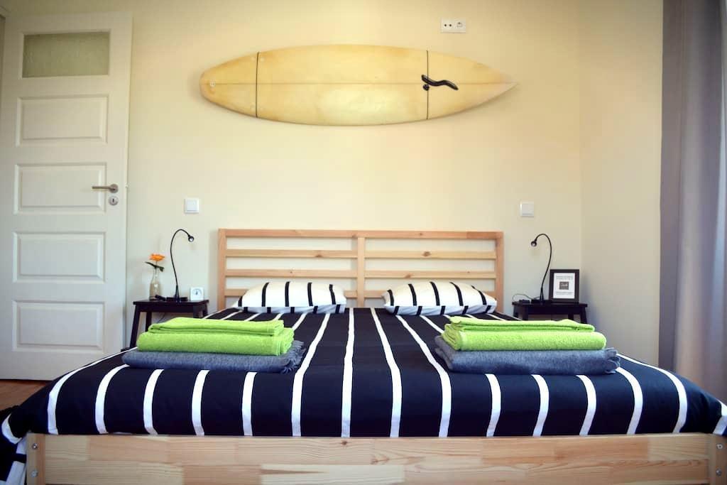 The BEACH CORNER Guesthouse - Rua 4 - เอสพินโฮ - ที่พักพร้อมอาหารเช้า