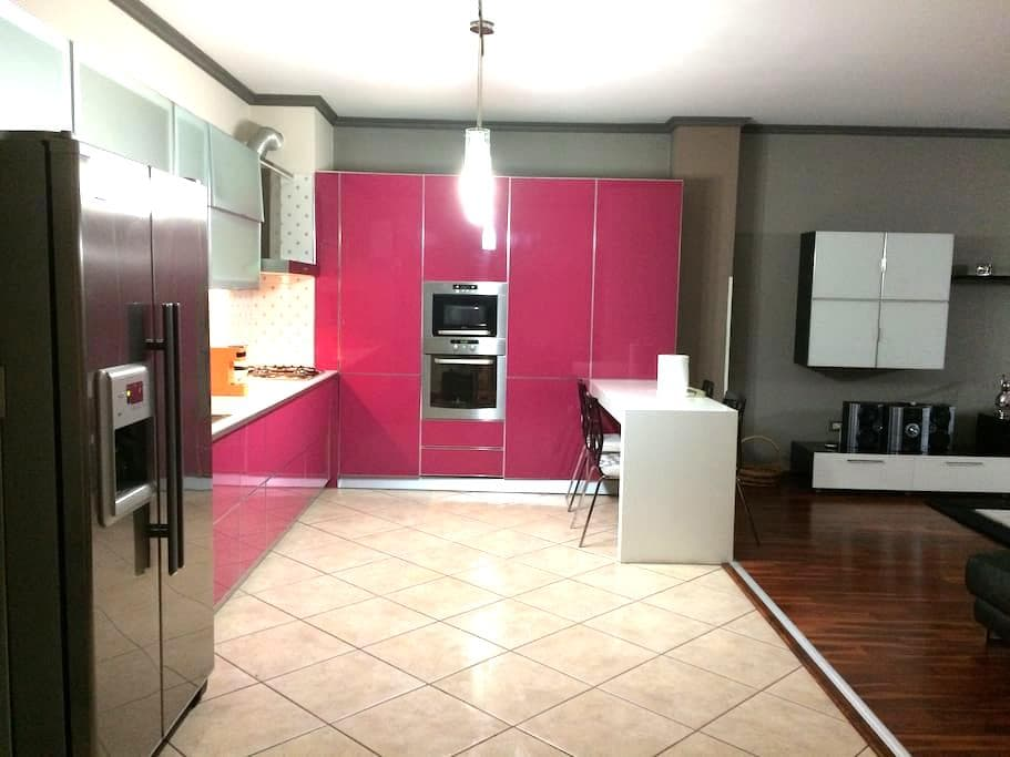 Luxury Center Tirana Apartment - Tirana - Appartement