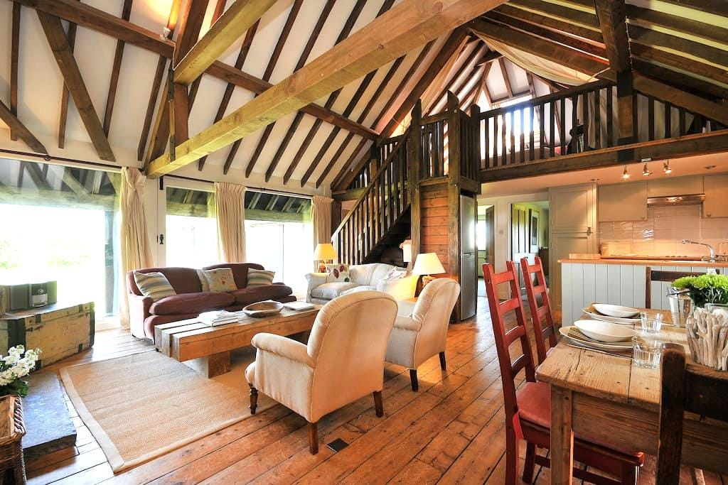 The Barn by the Beach - Camber - House