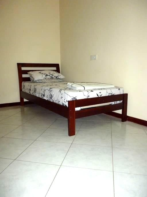 Cosy 1BR @ Col 4 - Colombo - Apartment