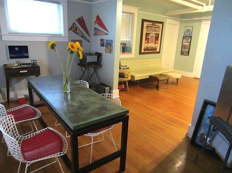 Charming early 1900s Downtown Condo - Salt Lake City - Apartment