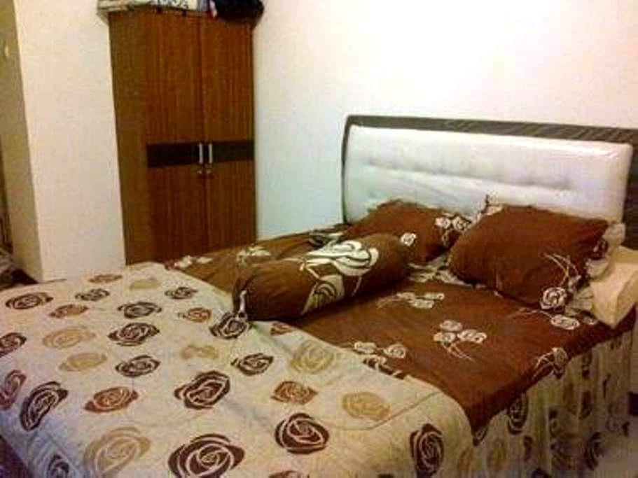 Studio Cozy n Private Room Kalibata City Residence - Pancoran - Apartament