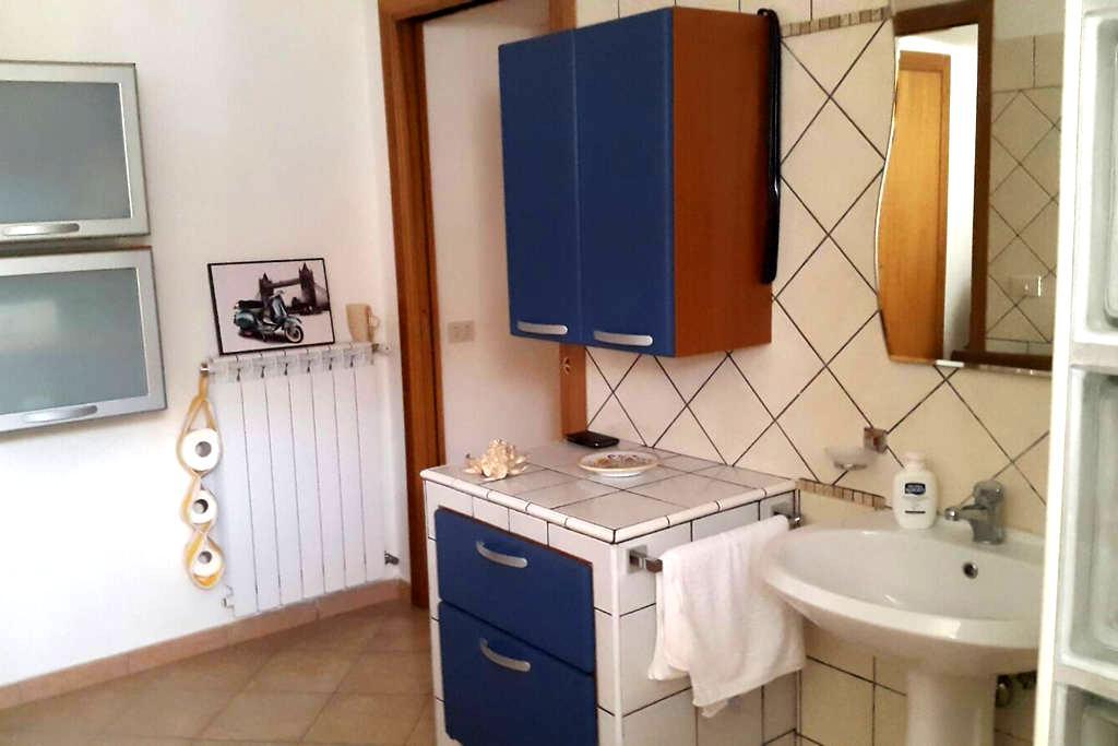 Italian villa-10 min from beach - Minturno