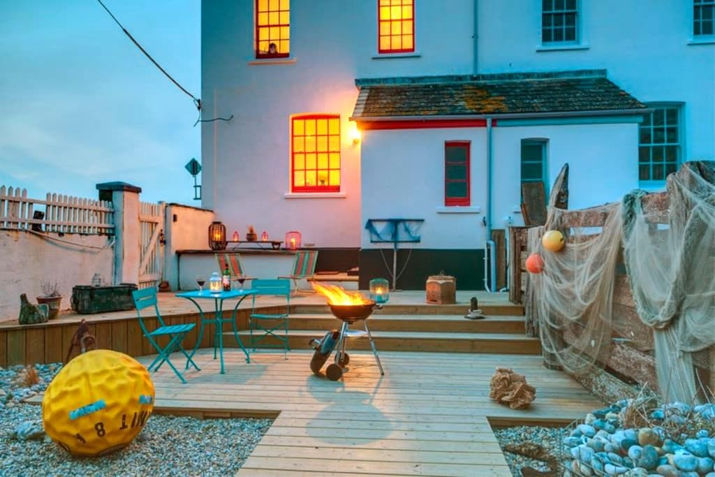 Sea views & log burning stove - Camber - Dom