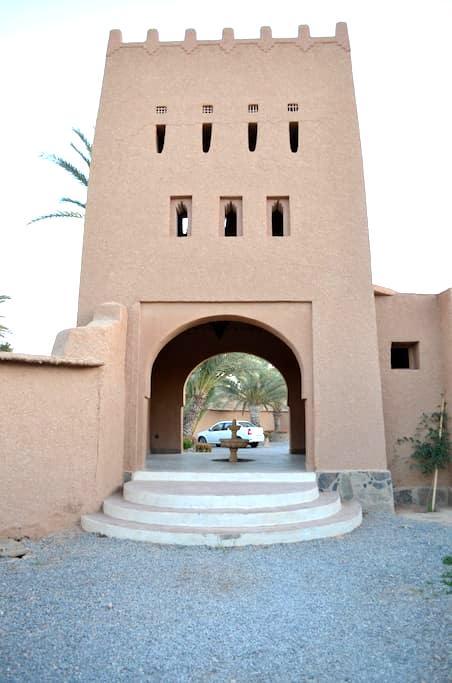 Villa Boujouf in the Heart of Oasis - tighmert - Villa