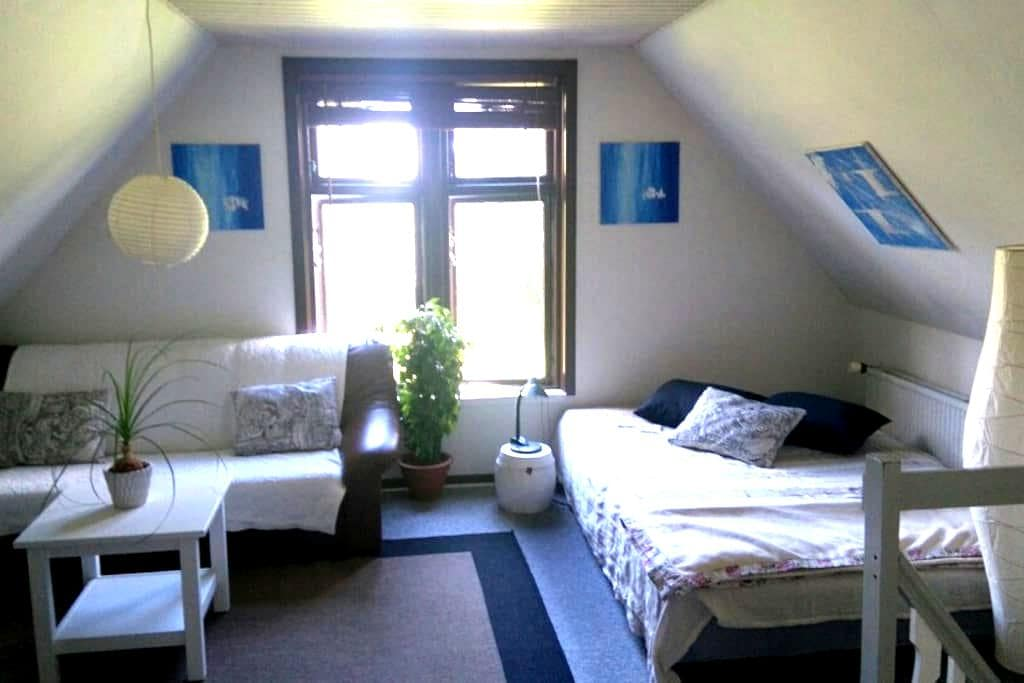Own appartment with light breakast - Hedensted - Apartamento