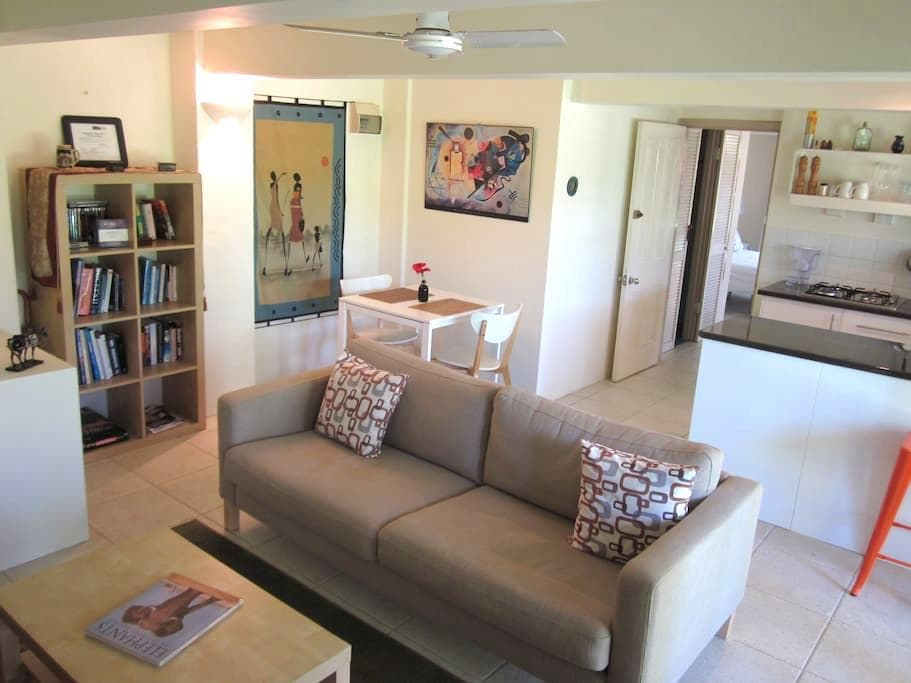 Bangalow Studio Apartment - Bangalow - Flat