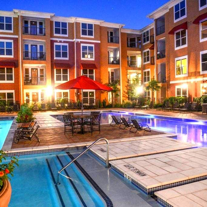 Upscale Apartment at Prime Location - Frisco - Byt