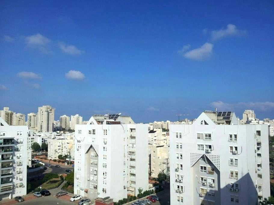 Cozy 1BD apartment with roof - Ashdod
