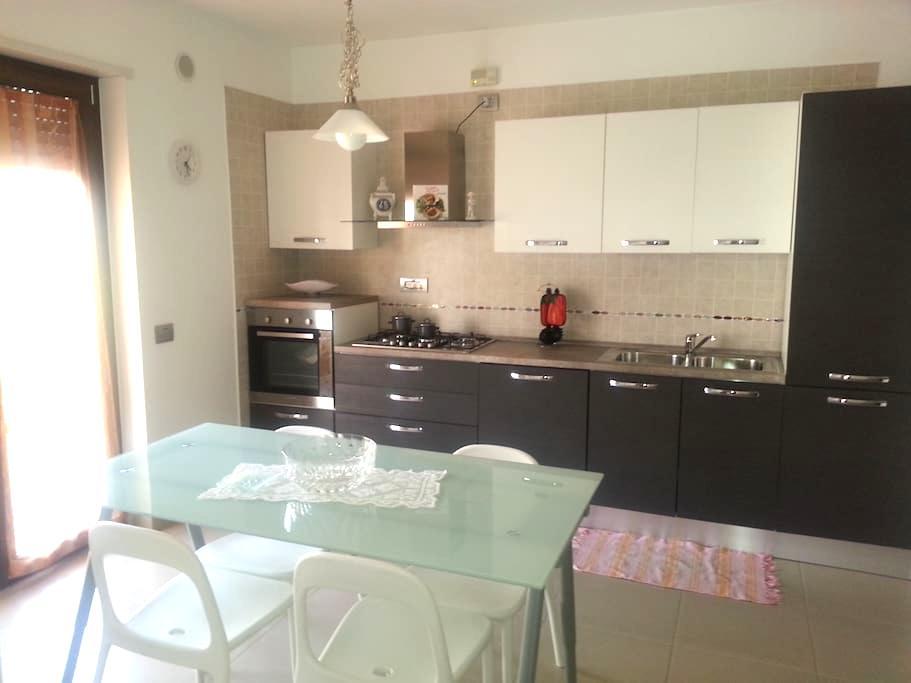 MURATA cozy three-room / garage - Sant'Antonio, Pontecagnano Faiano - Lejlighed