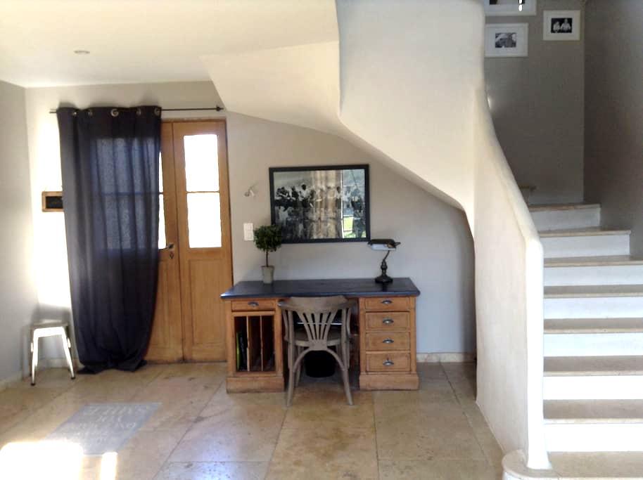 Charmante bastide provençale - Courthézon - Casa de campo
