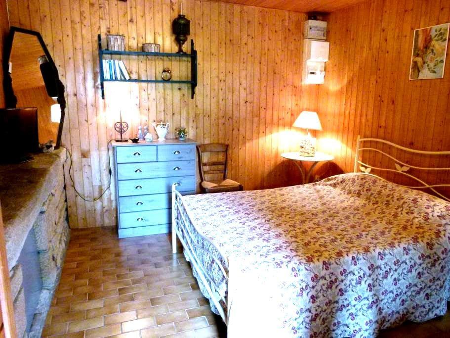 chambre privée - Davayé - Huis