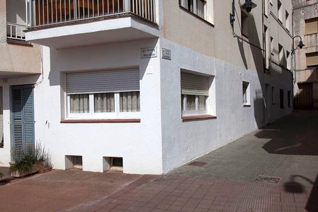 Piso Planta Baja a 50m playa-puerto - L'Estartit - Apartment
