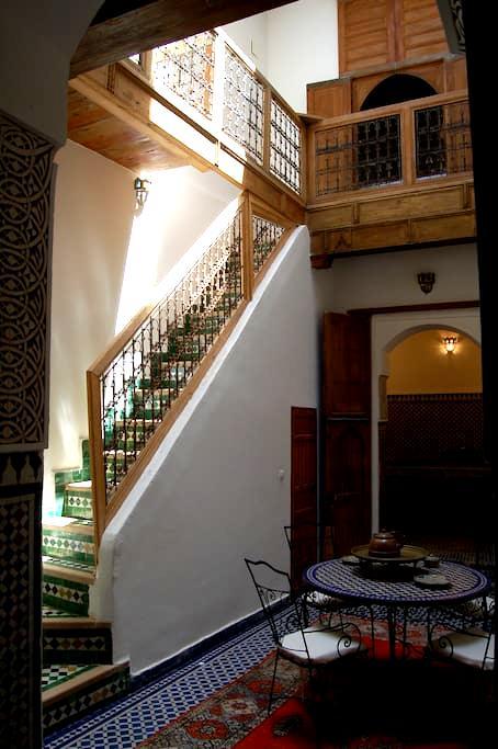Small riad in Fez medina - Fes - House