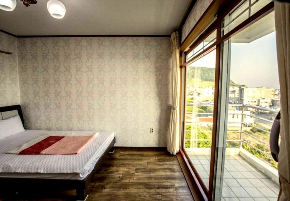 (1 room, 1 bath) / jejubms(B) - Seongsan-eup, Seogwipo-si