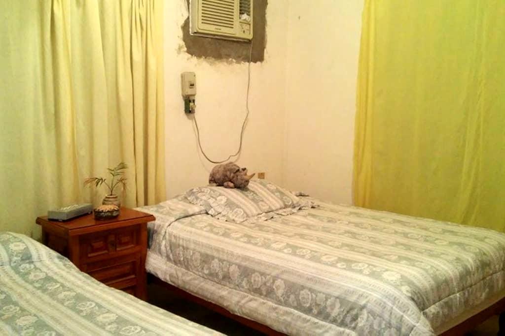 Casa a un lado de la playa - Costa Esmeralda - Dorm