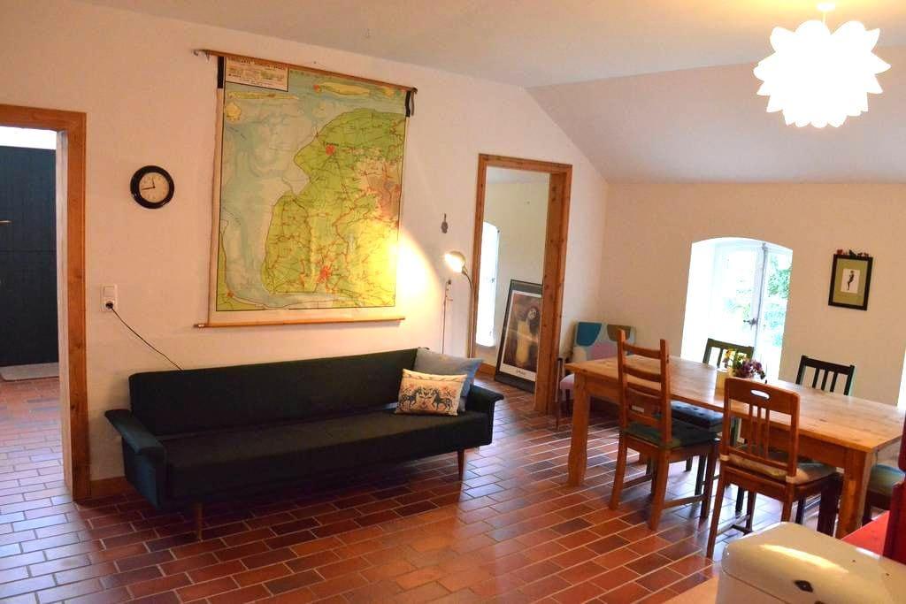 Wohnen im historischen Bauernhaus - Westoverledingen - Apartment