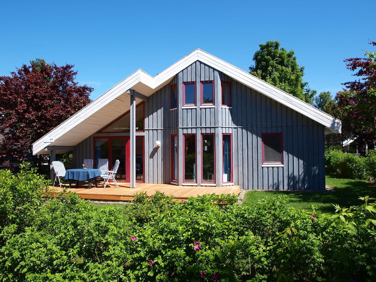 Sonniges Ferienhaus am See in Mirow