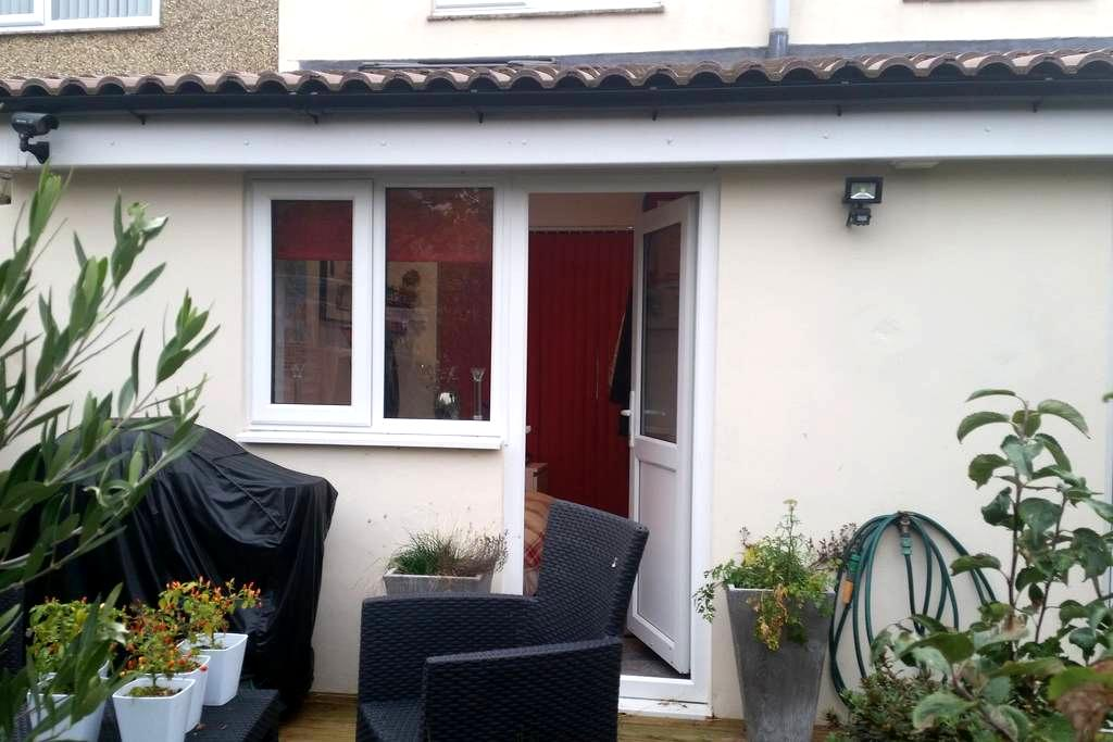 Self contained, light and smart - Gosport - Casa
