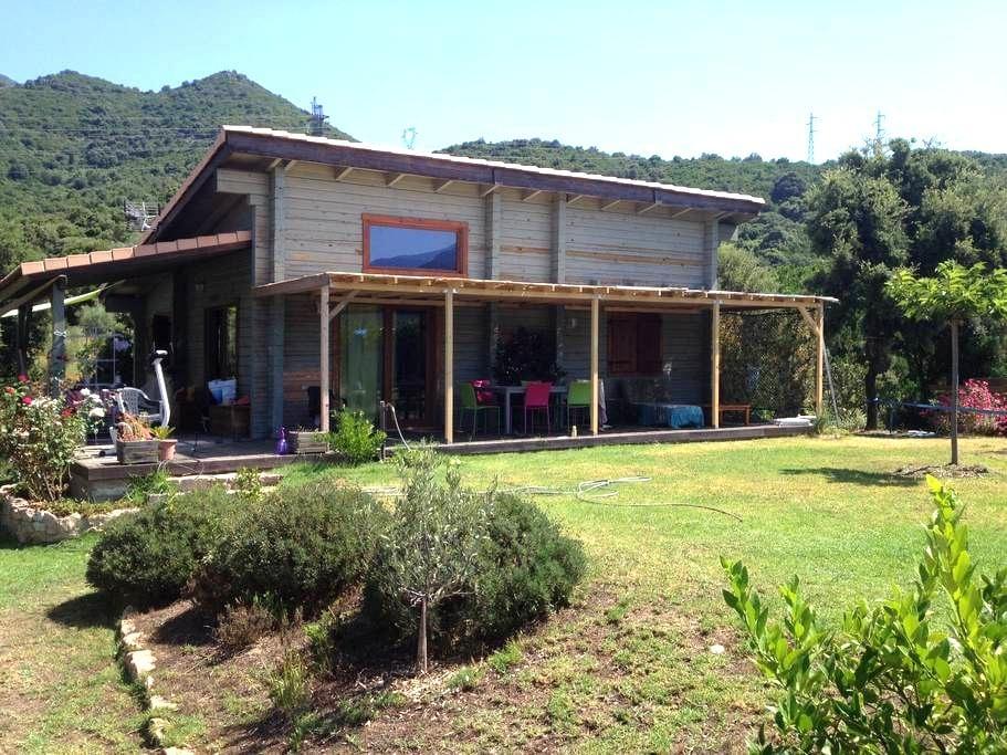 Maison bois en pleine nature - Ocana - Huis