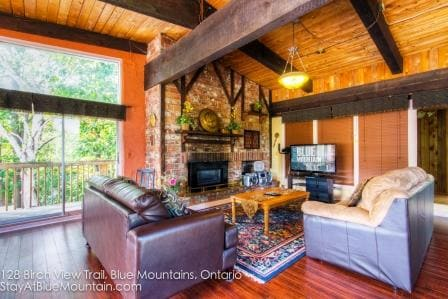 Living Room with Gas Fireplace and HDTV