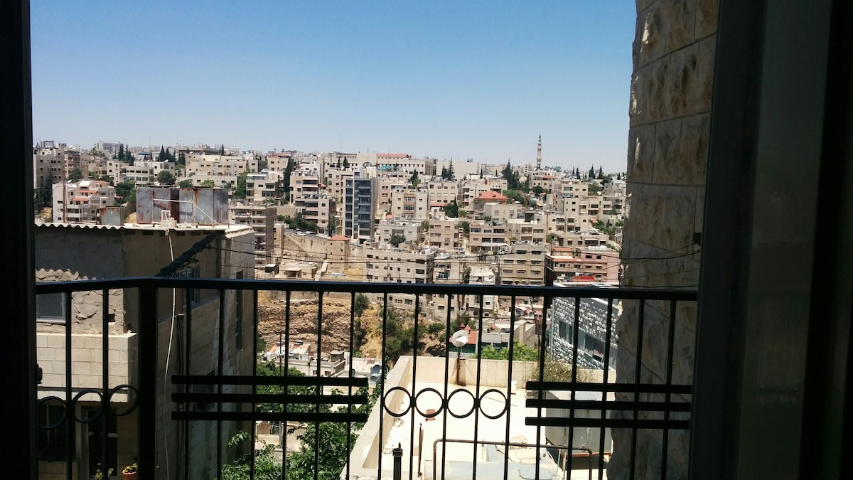 City View Small Room in Jabal Amman