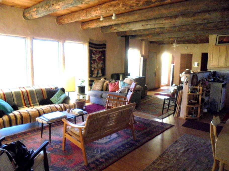 A Rustic, Mountain View Home - Ranchos de Taos - House