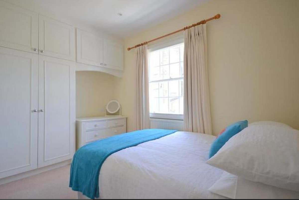 Centrally located, Double bedroom