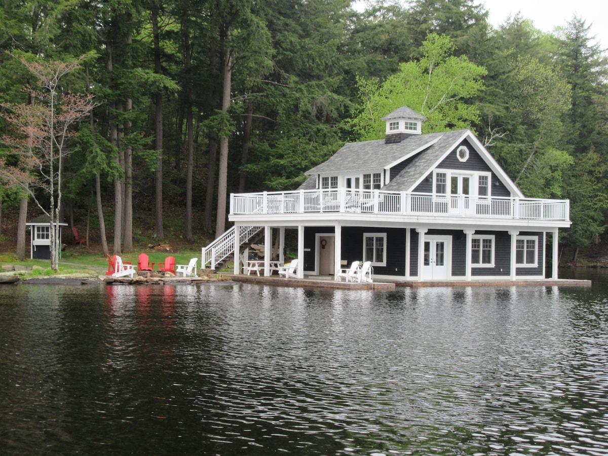 Lake Muskoka Boathouse