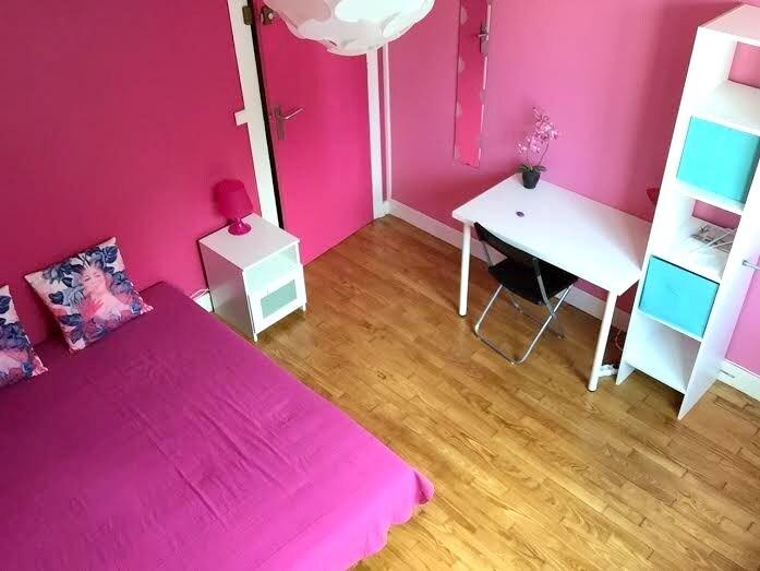 """Chambre """"Pink"""" Belles prestations"""