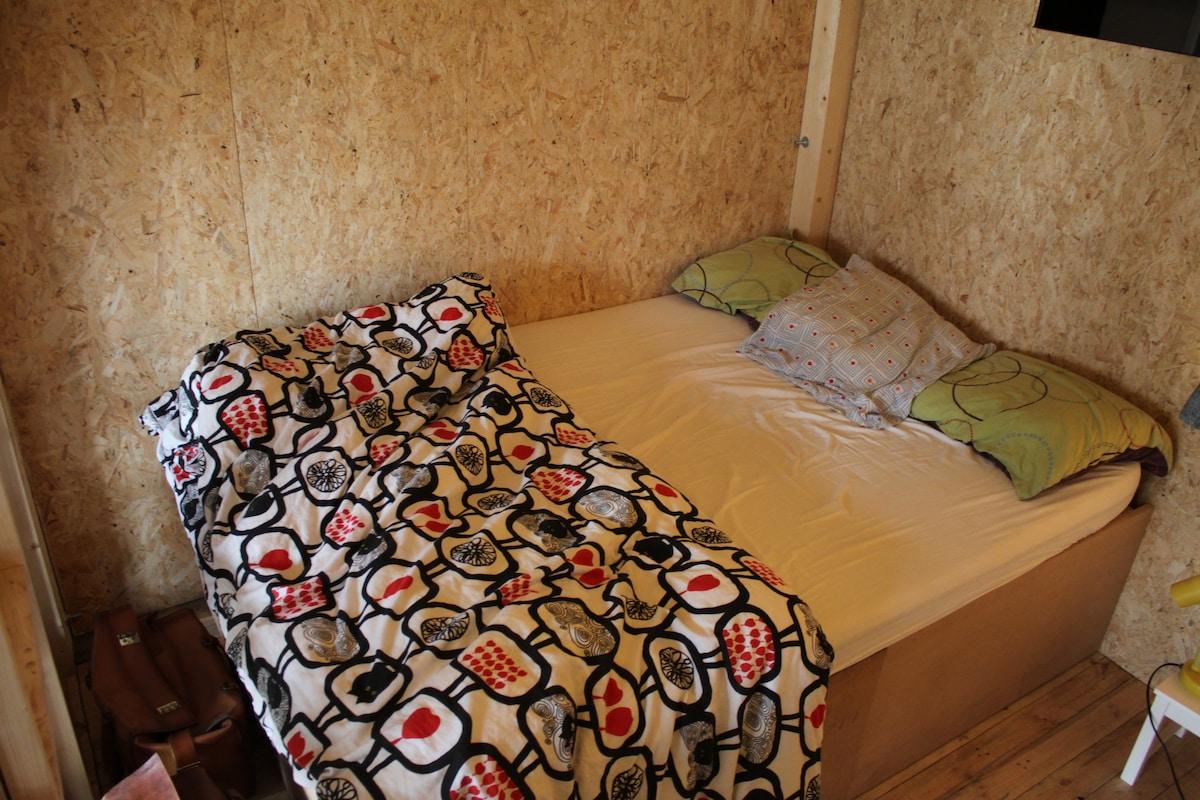 Indoor-wood-cabin Art space in BXL