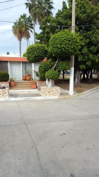 Cozy Studio 4 blocks from beach in Golden Zone! - Mazatlán - Departamento