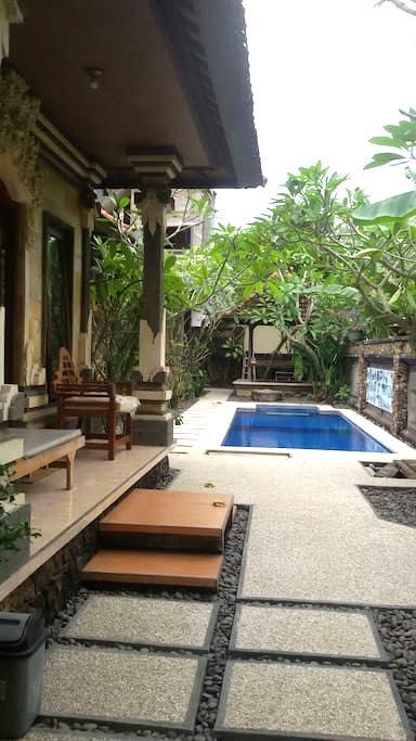 Mimba House Inn - Padangbai - Hus