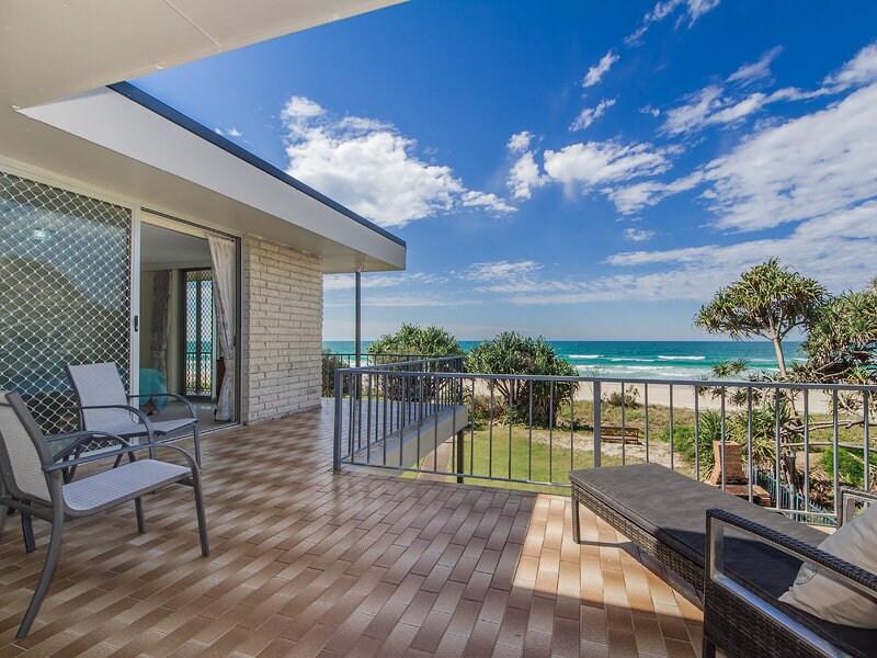 Absolute Beachfront Unit Gold Coast