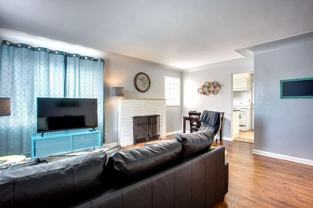 2 bedroom remodeled Lakewood Red Rocks - Lakewood - Apartament