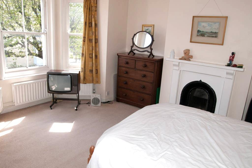 Double Room Dorchester - Dorchester - Hus